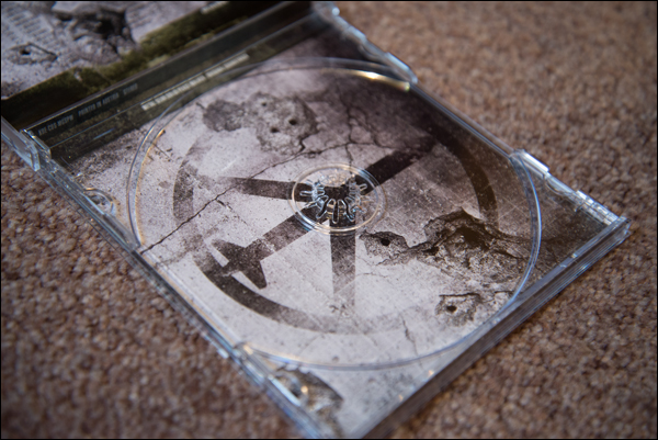 Peace-Walker-Soundtrack-CD-OST-Open-Empty