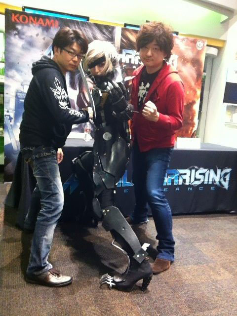 Metal-Gear-Rising-Launch-Event-LA-Raiden-Cosplay-4