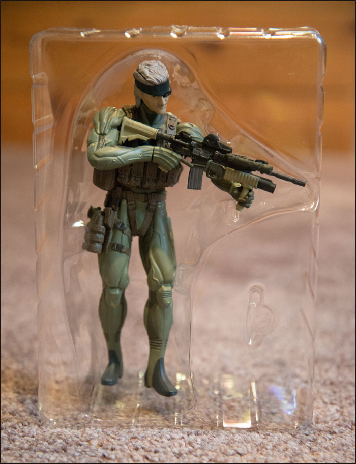 Metal-Gear-Solid-4-Limited-Edition-Figure-Full