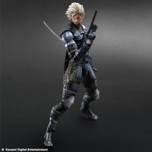 Metal-Gear-Solid-2-Raiden-Play-Arts-Action-Figure-2