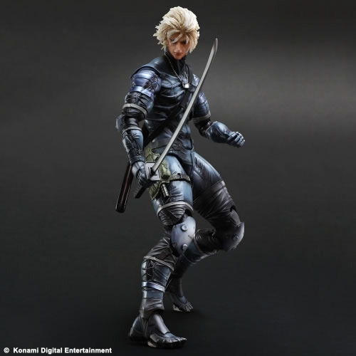 Metal-Gear-Solid-2-Raiden-Play-Arts-Action-Figure-5